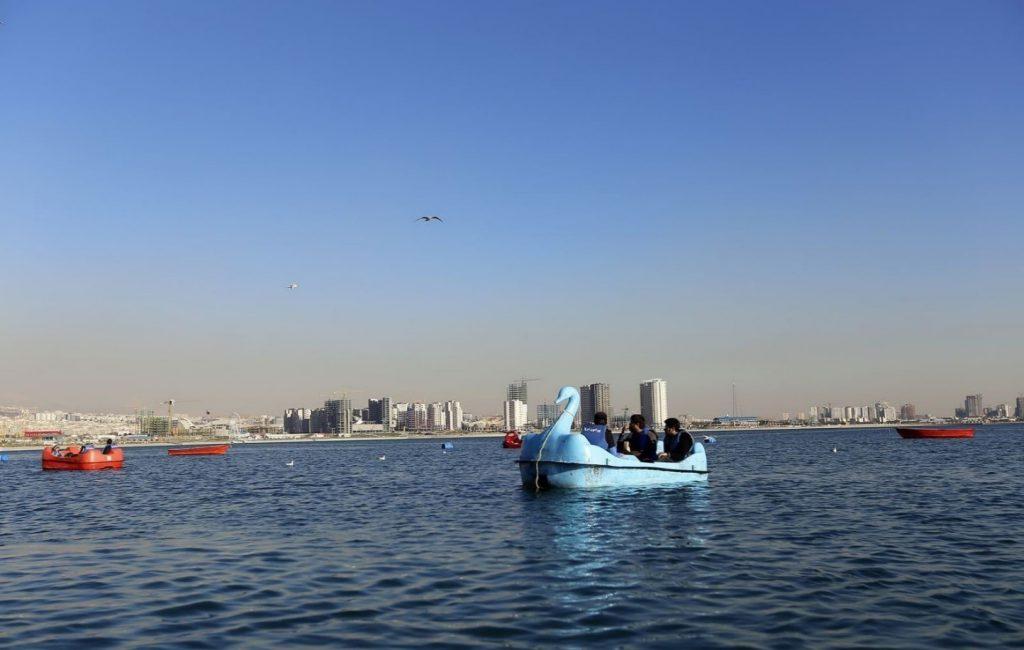 ورزش در دریاچه تهران آتامدتور